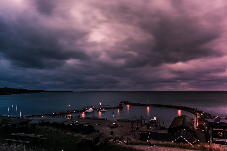 Kaseberga Port at night